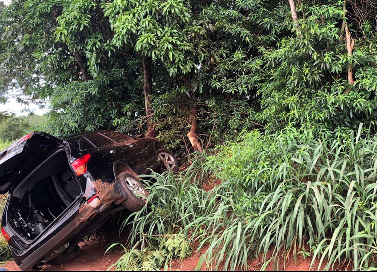 Polícia Militar recupera veículo roubado em Umuarama