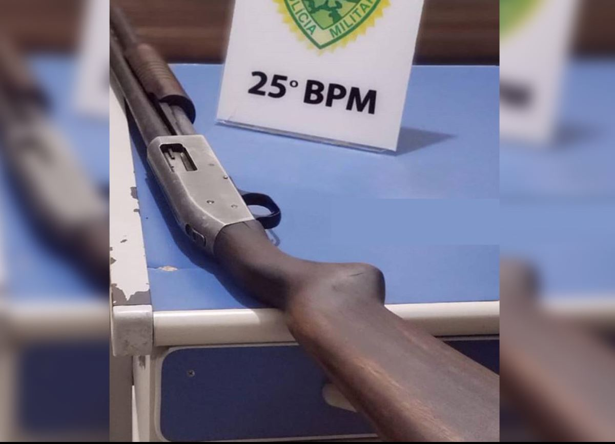 PM prende homem por porte ilegal de arma de fogo na estrada Pavão em Umuarama