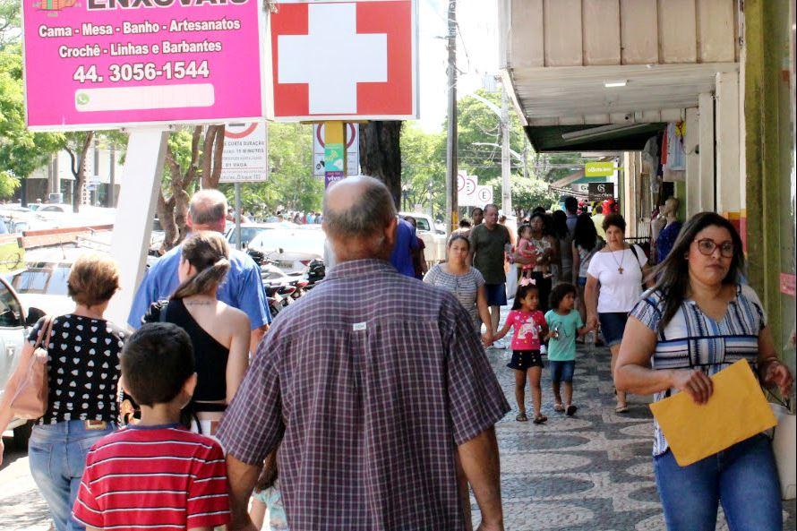 Lojas do comércio de Umuarama ficam abertas sábado das 9h às 17h